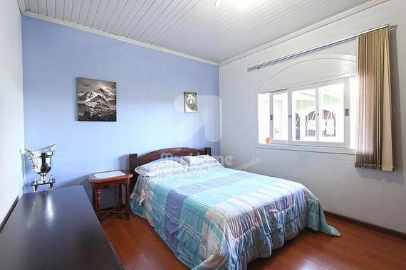 Serrana - 3 Dormitórios - 10 Pessoas