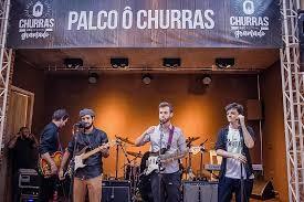 """Hique Gomez é atração musical de """"Ô Churras"""""""