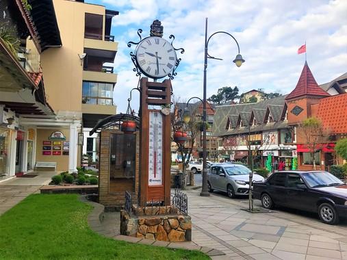 Você conhece os relógios suíços que decoram Gramado?