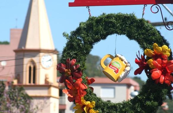 Oktoberfest de Igrejinha elege Rainha e Princesas no domingo