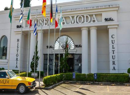 Capa museu da moda